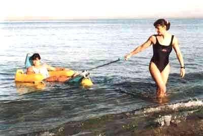 tiralo mer1 - Kumsalda-sahilde-denizde y�zebilen sandalye
